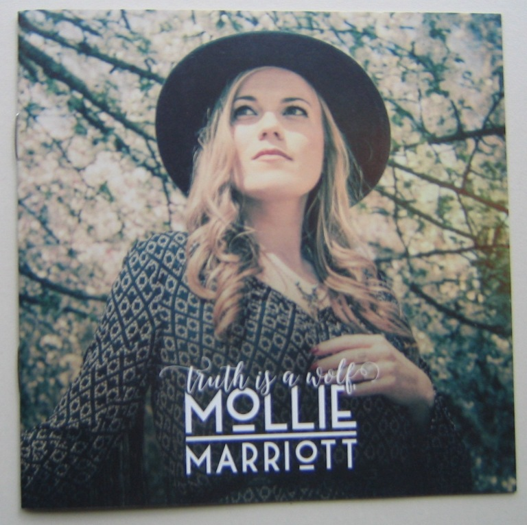 Mollie Marriott 070